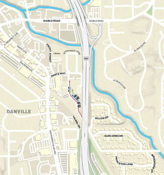 Route arrows show where Arboleda pulls over and briefly stops — a spot close to where the chase began.