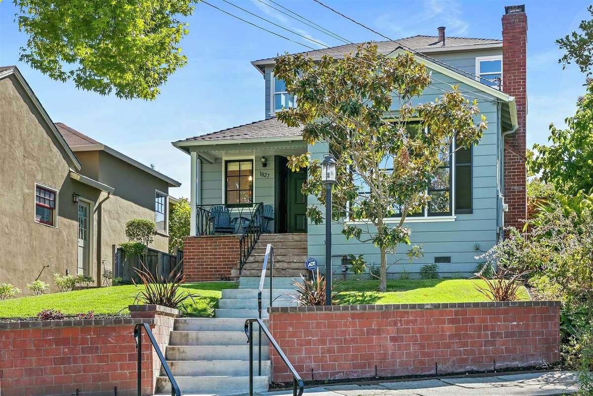 1027 Winsor Ave. in Oakland