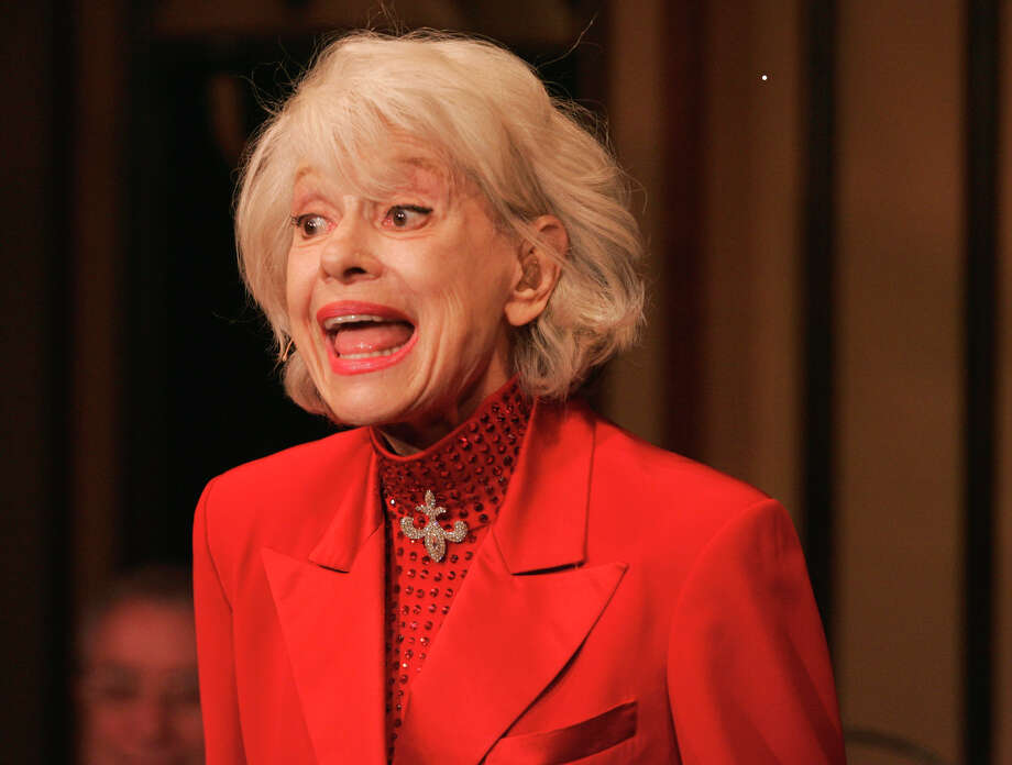 """FILE - In this Oct. 18, 2005 file photo, Carol Channing performs during her one woman show,""""The First 80 Years are the Hardest,"""" at the cabaret Feinstein's at the Regency in New York.  Channing, whose career spanned decades on Broadway and on television has died at age 97. Publicist B. Harlan Boll says Channing died of natural causes early Tuesday, Jan. 15, 2019 in Rancho Mirage, Calif.  (AP Photo/Richard Drew) Photo: RICHARD DREW / AP2005"""