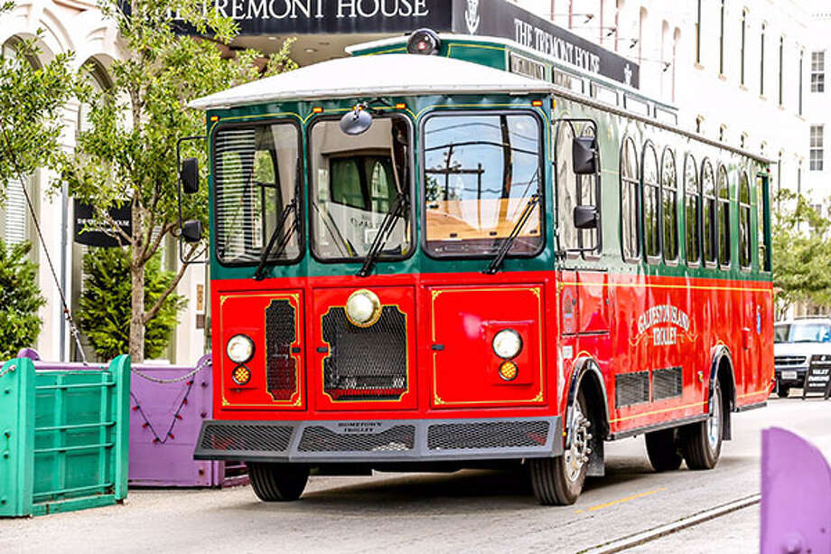 Galveston has operated trolley-like buses while its trolley car system undergoes repairs from damage suffered during Hurricane Ike. Photo: Galveston.com