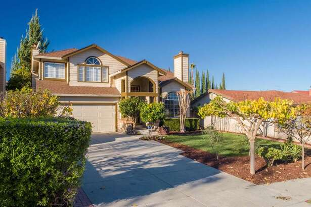 4519 Cherry Ave in San Jose is a 5 bed, 3 bath home of 2,500 sq ft. It's been listed, gone pending but not sold, removed from MLS and put back, since 2016. Now it's listed again for $1.199,500 million, down $200K from it's last stint on the market in May of 2018
