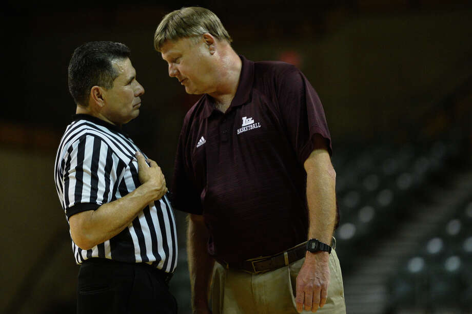 Lee boys basketball head coach Doug Gordon has a word with a referee during the game against Midland High Jan. 15, 2019, at Chaparral Center. James Durbin/Reporter-Telegram Photo: James Durbin / ? 2019 Midland Reporter-Telegram. All Rights Reserved.