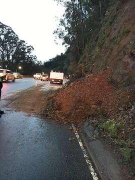 Mudslide on Highway 101 in Sausalito causes major traffic delays