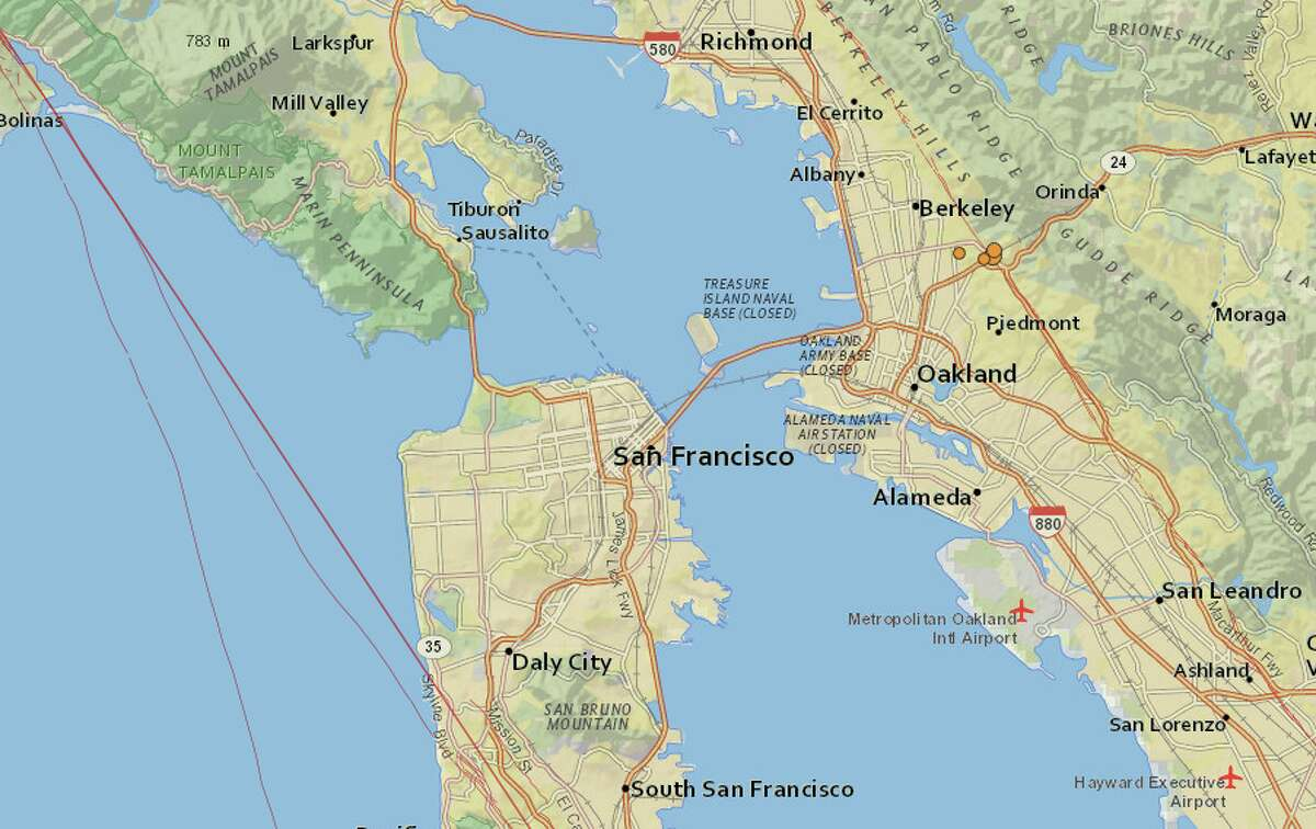 Maps from the USGS show the 3.4-magnitude earthquake and its small aftershocks Wednesday morning.