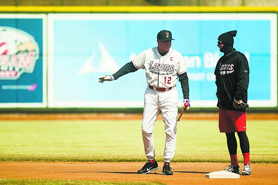 Great Lakes Loons' manager John Shoemaker talks with third baseman Zach McKinstry during the team's first practice of the season last spring at Dow Diamond. (Katy Kildee/kkildee@mdn.net) Photo: Katy Kildee/kkildee@mdn.net