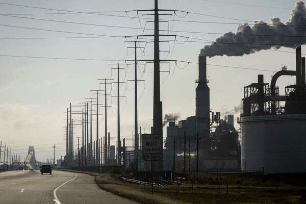 Venezuelan oil sanctions would hit Gulf Coast refineries
