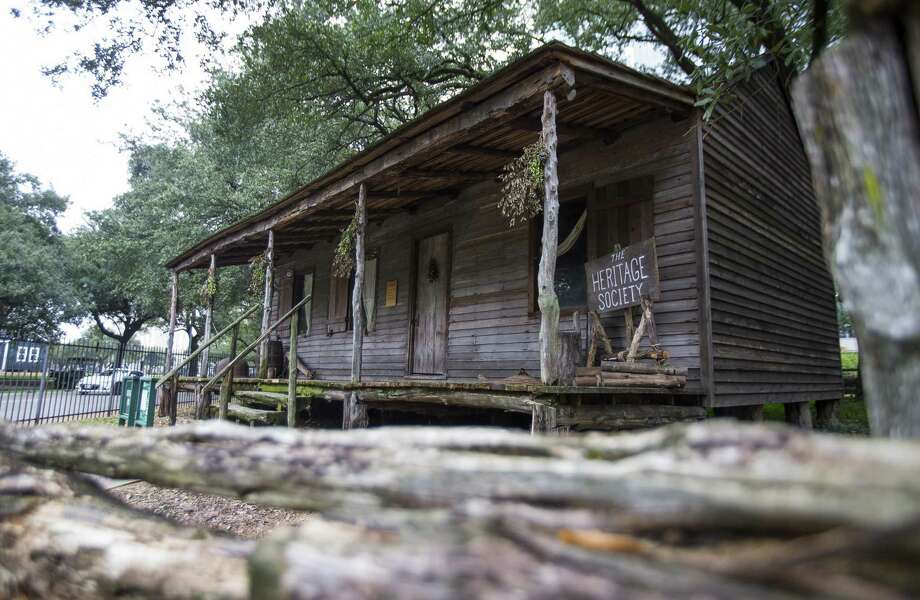 The Old Place cabin, originally built in 1823, is maintained by the Heritage Society in Sam Houston Park. Photo: Mark Mulligan, Houston Chronicle / Staff Photographer / © 2019 Mark Mulligan / Houston Chronicle