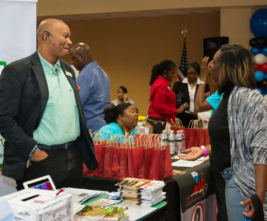 At the Houston Black Real Estate Association's Realtist Week, real estate professionals exchanged resources. HBREA turns 70 this year. Photo: Effie Jay Photography