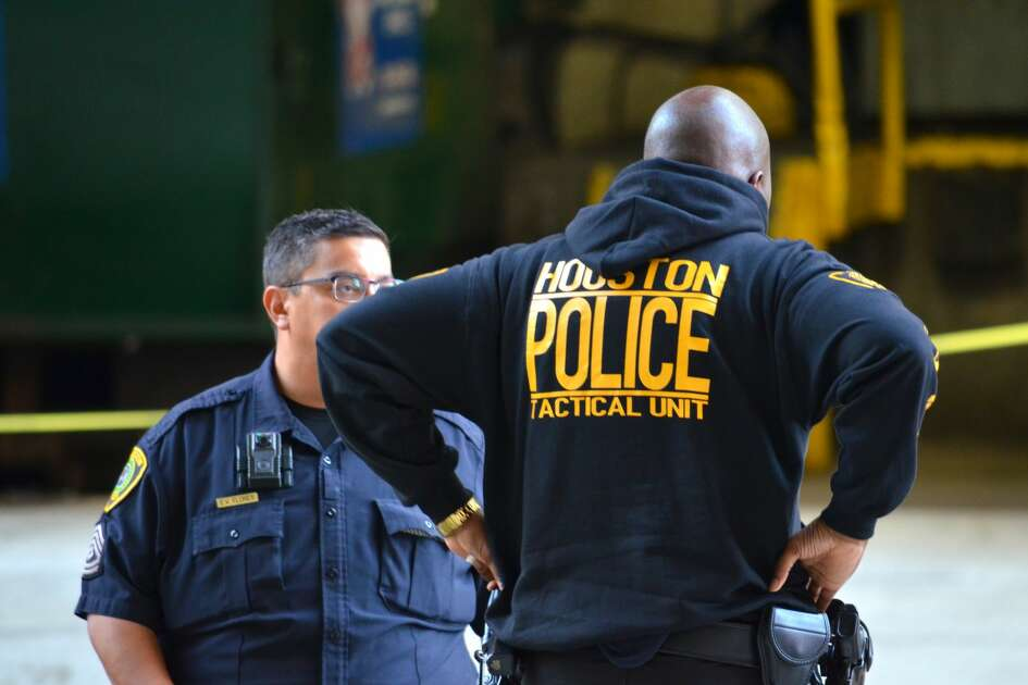 Houston police officers respond to reports of shots fired in the Texas Medical District on Thursday, Jan. 17, 2019.