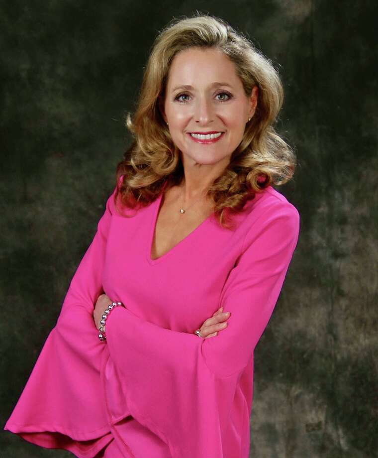 Shelly Vitanzahas been named Lamar University  public affairs director. The Monsignor Kelly Catholic High School and Texas  A& University graduate previously managed the Beaumont Enterprise's VIP  magazine and other specialty publications. Photo: Courtesy Photo