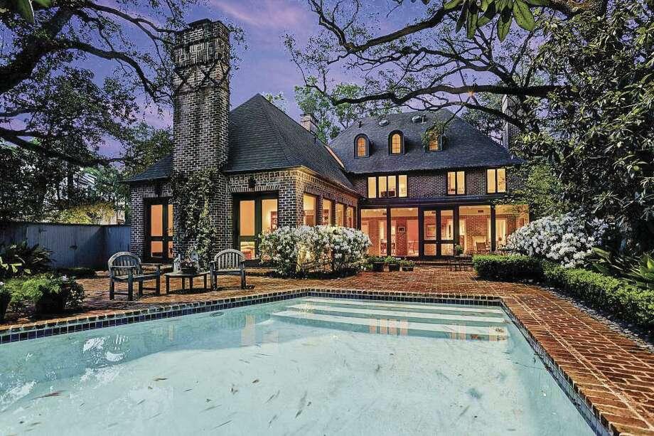 Classic River Oaks home featured on Azalea Trail