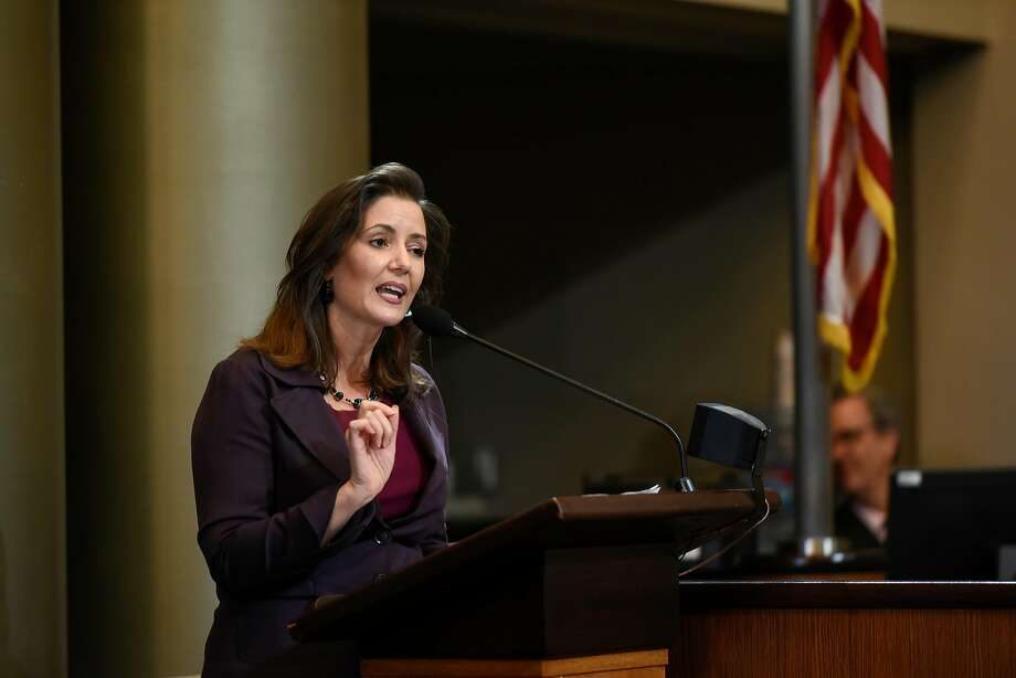 FILE – Oakland Mayor Libby Schaaf gives a speech after being sworn in as mayor during an inauguration ceremony for elected representatives at City Hall in Oakland in this January 7, 2019 file photo. On Saturday night, Schaaf responded to President Donald Trump's plan to move undocumented immigrants to sanctuary cities. Photo: Michael Short / Special To The Chronicle