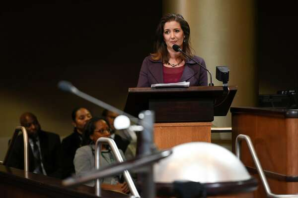 Oakland Mayor Libby Schaaf pulls in bucks for charity at inaugural gala