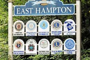 East Hampton town sign