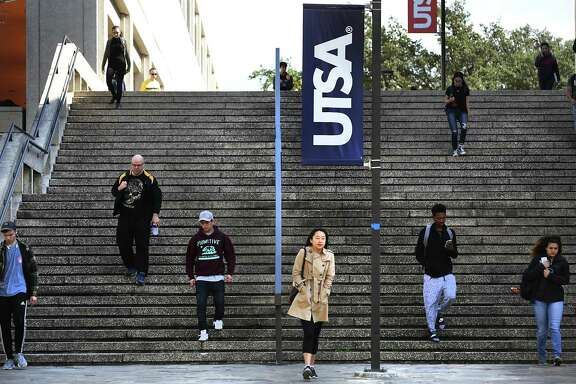 Students on their way to classes at the main UTSA campus on Friday, Feb. 17, 2017.
