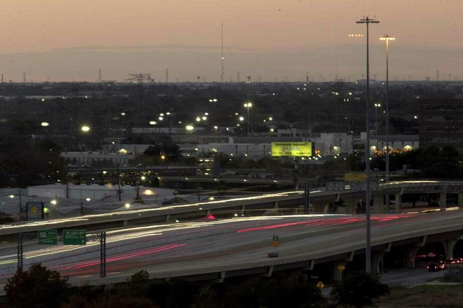 Traffic moves along U.S. 290, just north of I-610 on Thursday, Dec. 13, 2018, in Houston. Photo: Brett Coomer, Houston Chronicle / Staff Photographer / © 2018 Houston Chronicle