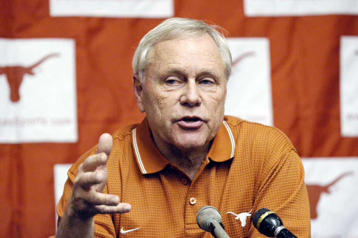 Dick Tomey led San Jose State to the New Mexico Bowl in 2006.
