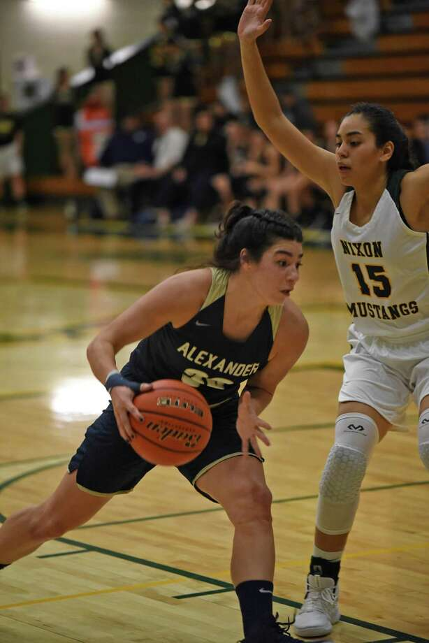 Aly Benavides and Alexander picked up an important 53-47 victory in a showdown with Nixon on Friday night. Photo: Christian Alejandro Ocampo /Laredo Morning Times / Laredo Morning Times