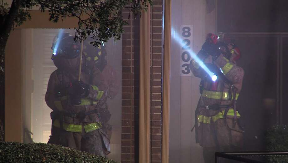 San Antonio firefighters responded to a structure fire Friday evening, Jan. 19, 2019, to offices at a business complex. No injuries were reported. Photo: 21 Pro Video