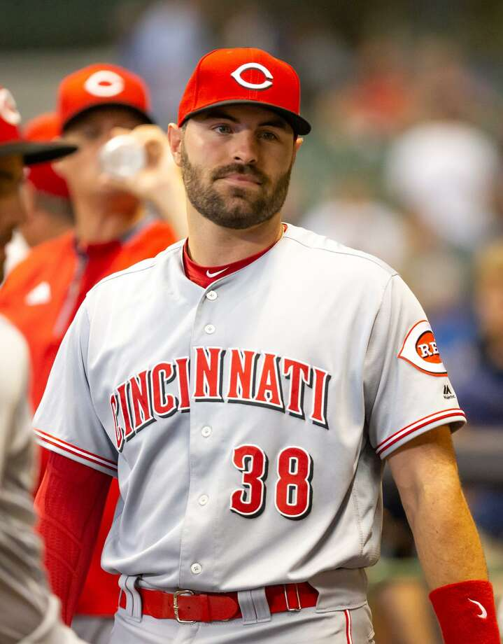 Curt Casali, who was a star catcher at New Canaan High School, signed a one-year deal with the Cincinnati Reds for $950,000. Casali will continue in his role as a backup catcher behind Reds starter Tucker Barnhart Photo: Photo By Jay Anderson /Icon Sportswire Via Getty Images / ©Icon Sportswire (A Division of XML Team Solutions) All Rights Reserved ©Icon Sportswire (A Division of XML Team Solutions) All