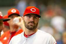 Curt Casali, who was a star catcher at New Canaan High School, signed a one-year deal with the Cincinnati Reds for $950,000. Casali will continue in his role as a backup catcher behind Reds starter Tucker Barnhart