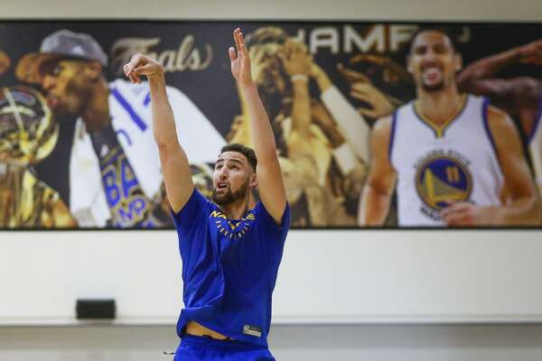 Warriors fans can appreciate the pure shooting motion of Klay Thompson.