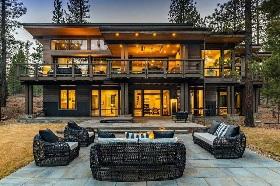 Architectural and opulent cabin in Martis Camp makes Tahoe living uber-luxurious. Photo: Paul Hamill / Martis Camp Realty