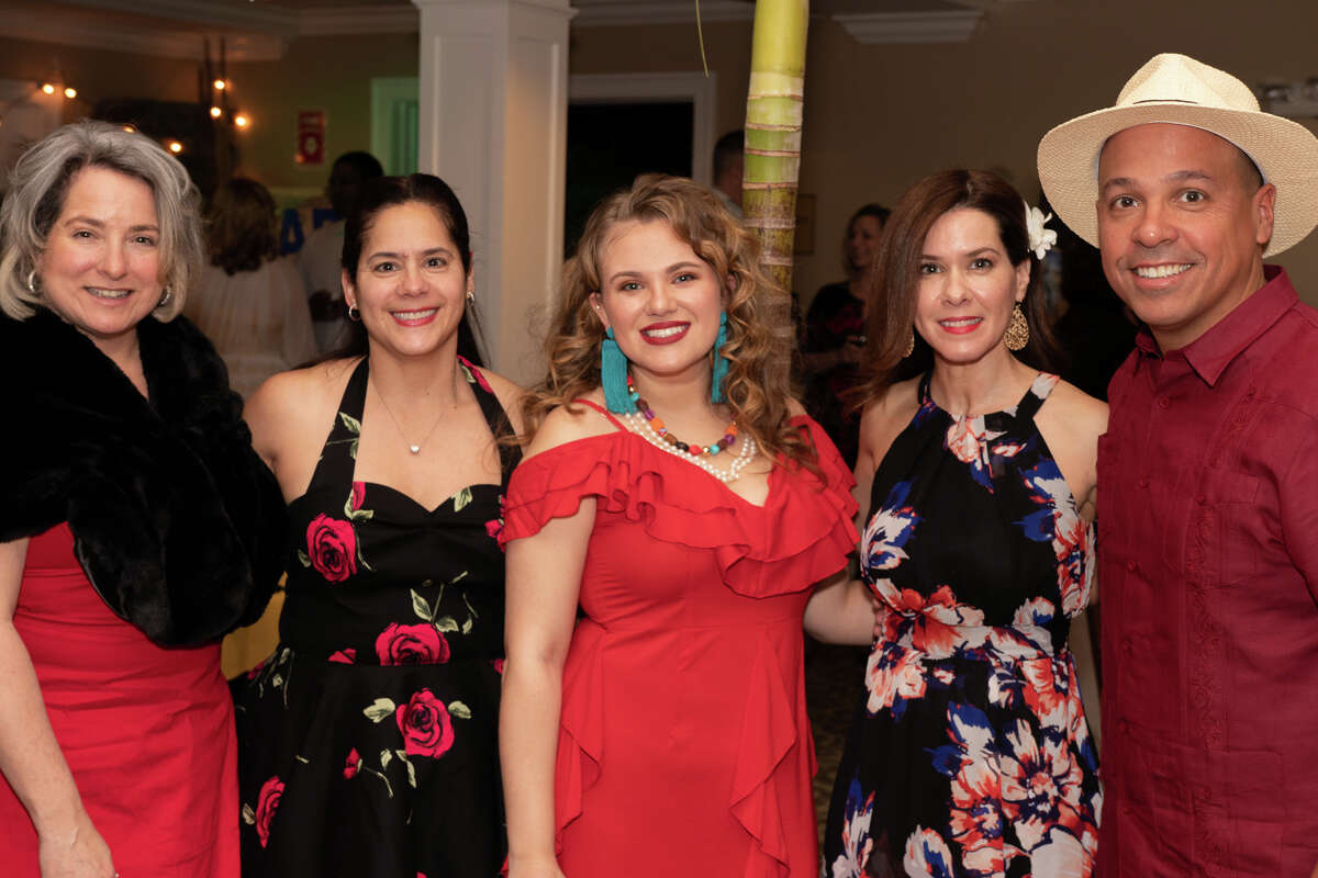 Valley United Way held its fifth annual community gala at Race Brook Country Club in Orange on January 19, 2019. The theme was Havana Night. Guests donned Cuban fashions and enjoyed live music, dancers and hand-rolled cigars. Valley United Way is a philanthropic organization serving Ansonia, Derby, Oxford, Seymour and Shelton. Were you SEEN?