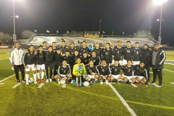 United South placed third at the Hidalgo tournament this weekend after it defeated McAllen Memorial 3-0. Justin Espinoza scored all three goals in the win.