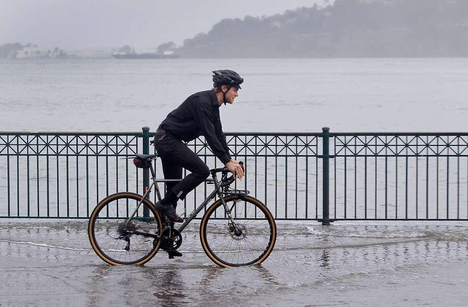 Rain, king tides to soak Bay Area on Sunday