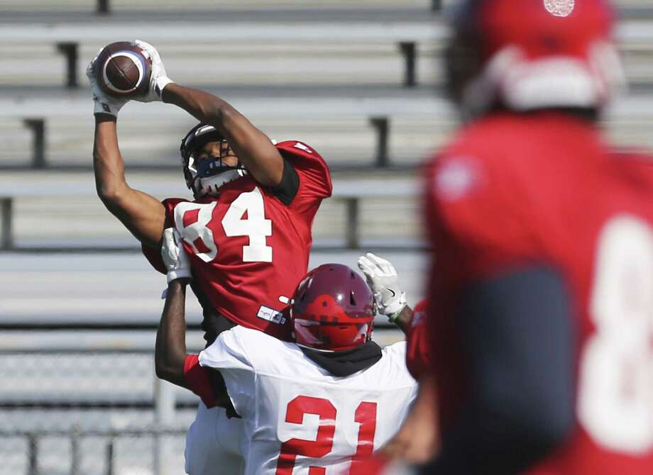 Former University of Houston quarterback Greg Ward, Jr. is trying to make the Commanders as a wide receiver. Photo: Kin Man Hui / San Antonio Express-News / ©2019 San Antonio Express-News