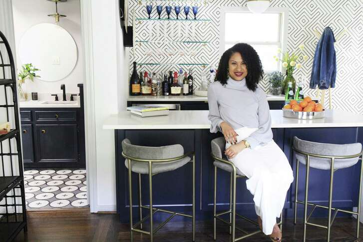 Interior designer Alana Frailey helped the Derricks turn their garage apartment into a relaxing hangout.