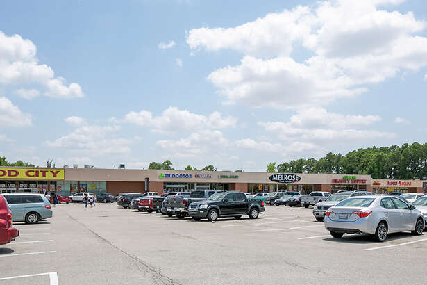 A private buyer has purchased Northwood Plaza, a 136,747-square-foot retail center at 5160-5420 Aldine Mail Route Road at U.S. 59 in northeast Houston. HFF marketed the property for the seller, Brixmor Property Group, and arranged acquisition financing. The center is anchored by Food City.