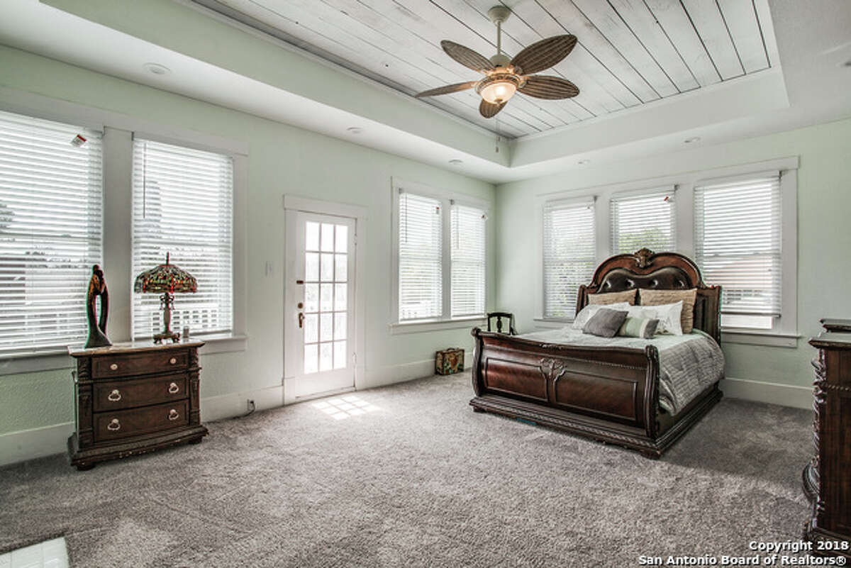 905 W Agarita Avenue San Antonio, TX 78201Listing Price: $200,000Bed/bath: 2 beds, 2 full bath, 1 ½ bathYear built: 1915