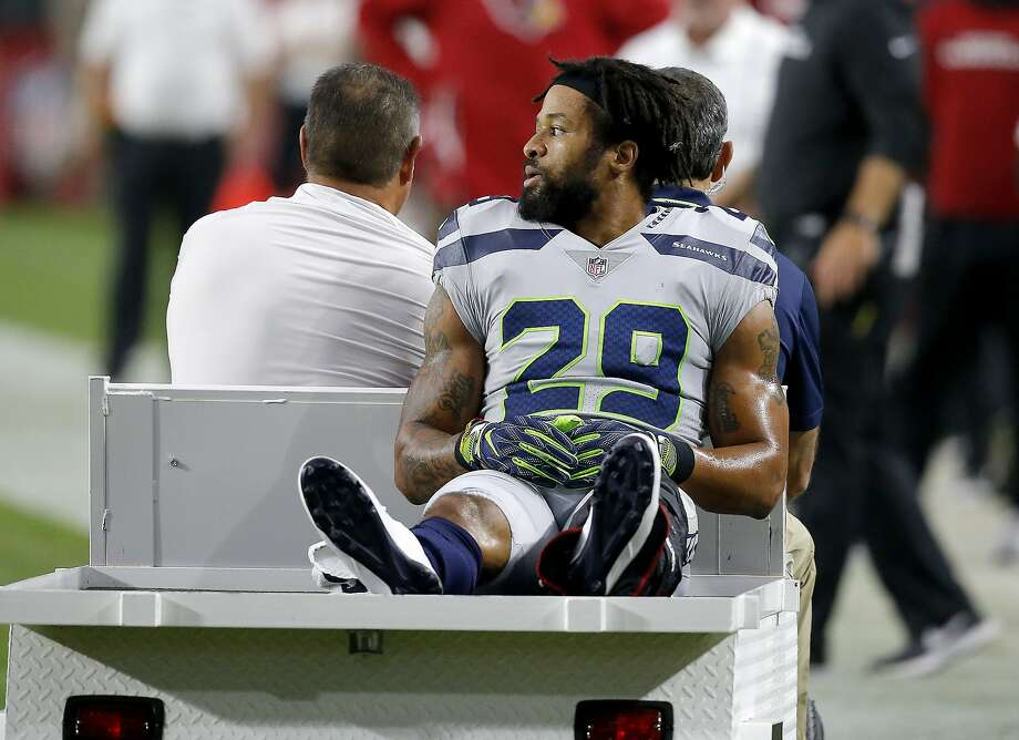 At this point, Earl Thomas was keeping his middle finger to himself but he soon after used it to express his displeasure with the Seahawks bench after suffering a broken leg in a September game against the Cardinals. Photo: Ross D. Franklin / Associated Press 2018