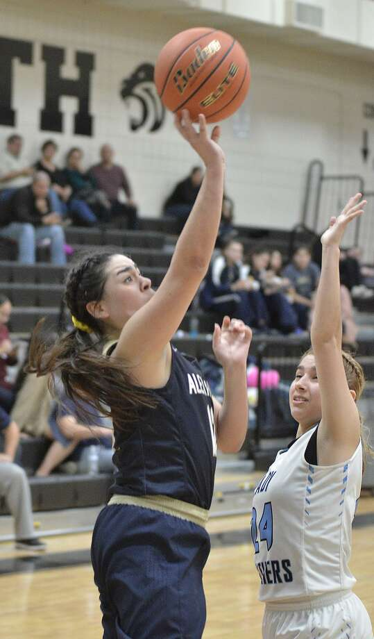 Third-place Alexander hosts fourth-place United South on Tuesday at 7:30 p.m. in an important game in the District 29-6A standings. The Lady Bulldogs are coming off their biggest win of the season at second-place Nixon last Friday. Photo: Cuate Santos /Laredo Morning Times File / Laredo Morning Times