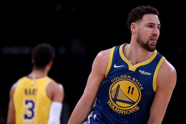 LOS ANGELES, CALIFORNIA - JANUARY 21: Klay Thompson #11 of the Golden State Warriors celebrates his three pointer behind Josh Hart #3 of the Los Angeles Lakers during a 130-111 Warrior win at Staples Center on January 21, 2019 in Los Angeles, California. NOTE TO USER: User expressly acknowledges and agrees that, by downloading and or using this photograph, User is consenting to the terms and conditions of the Getty Images License Agreement. (Photo by Harry How/Getty Images)