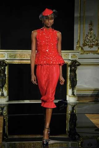 Top Design Sonderkauf viele Stile Chanel goes feminine for spring; Armani Prive proves red is ...