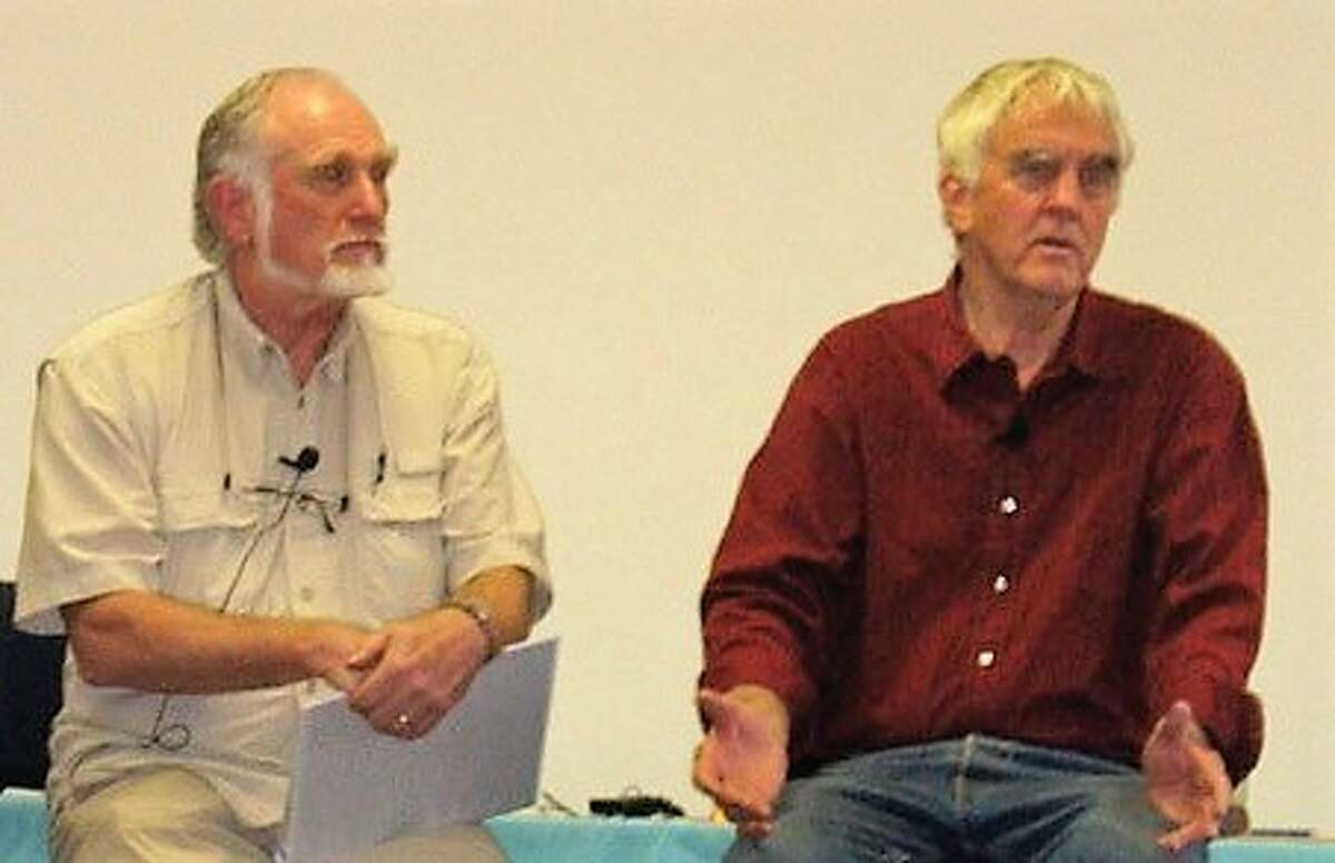 Frank Bourke, left, and the late therapist Steve Andreas discuss the RTM protocol in 2009.