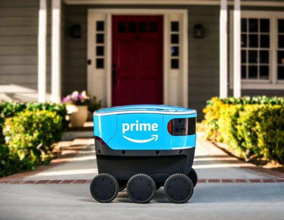 Amazon Scout robots will start delivering goods to customers in Georgia and Tennessee. Photo: Amazon