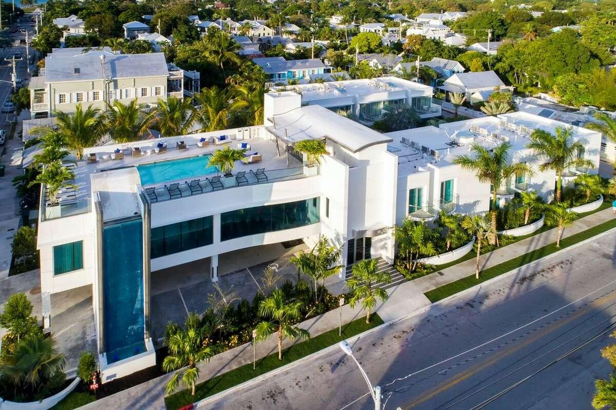 Best RomanceWinner: H2O Suites Hotel Where: Key West, Florida Average price: $508 per night
