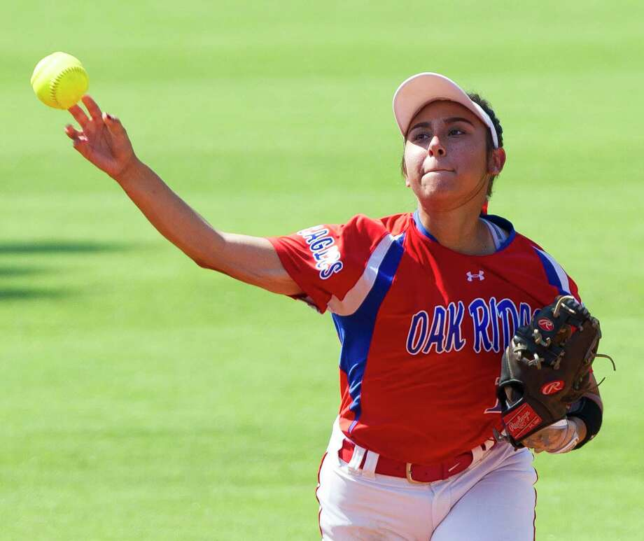 Oak Ridge shortstop Mya Briones (14) throws out a runner in the third inning of a Class 6A state semifinal game during the UIL State Softball Championships at Red & Charline McCombs Field on Friday, June 1, 2018, in Austin. Photo: Jason Fochtman, Staff Photographer / Houston Chronicle / © 2018 Houston Chronicle