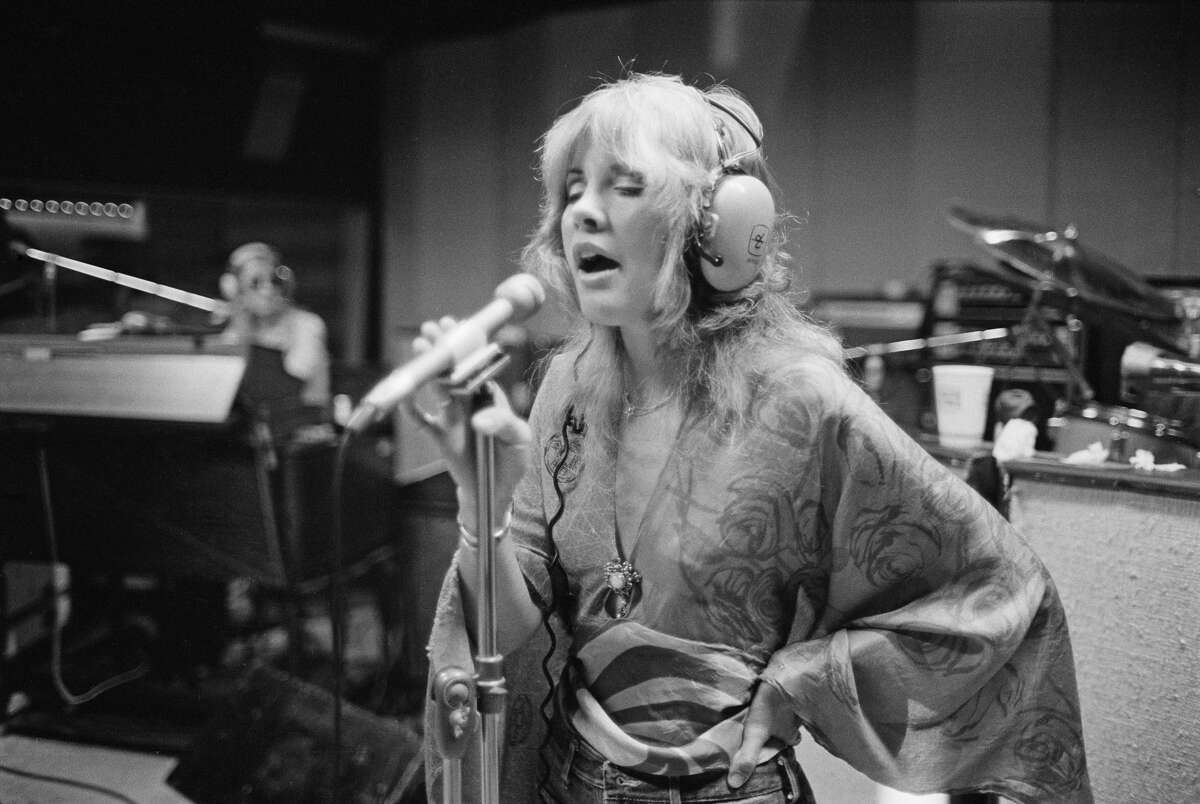 Singer Stevie Nicks of British-American rock band Fleetwood Mac in a recording studio in Wallingford, Connecticut, USA, October 1975. (Photo by Fin Costello/Redferns/Getty Images)