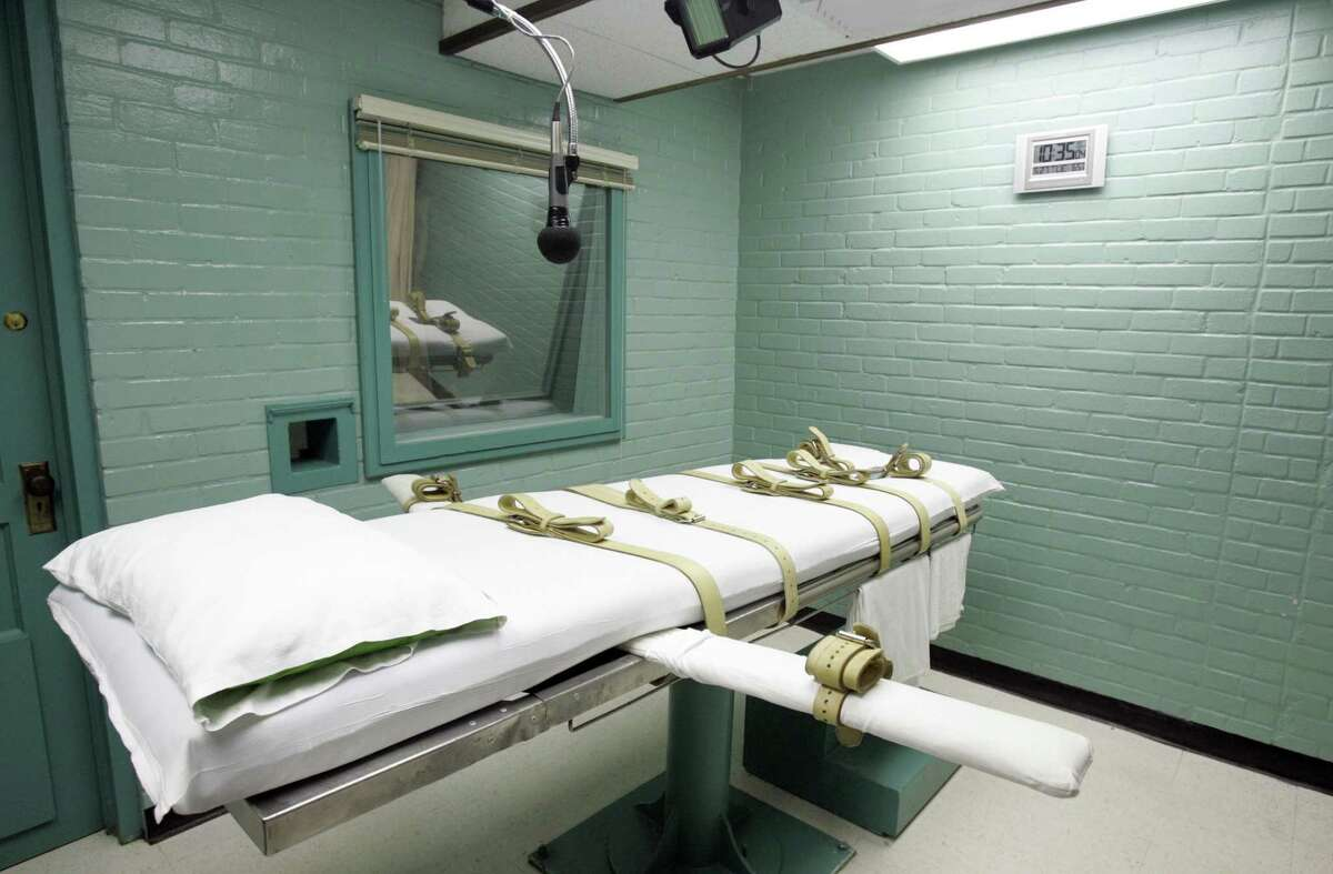 Texas prisons should allow clergy in the death chamber, one letter writer says.