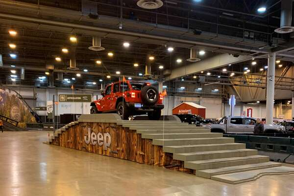 Early visitors to 2019 Houston Auto Show get eyeful of