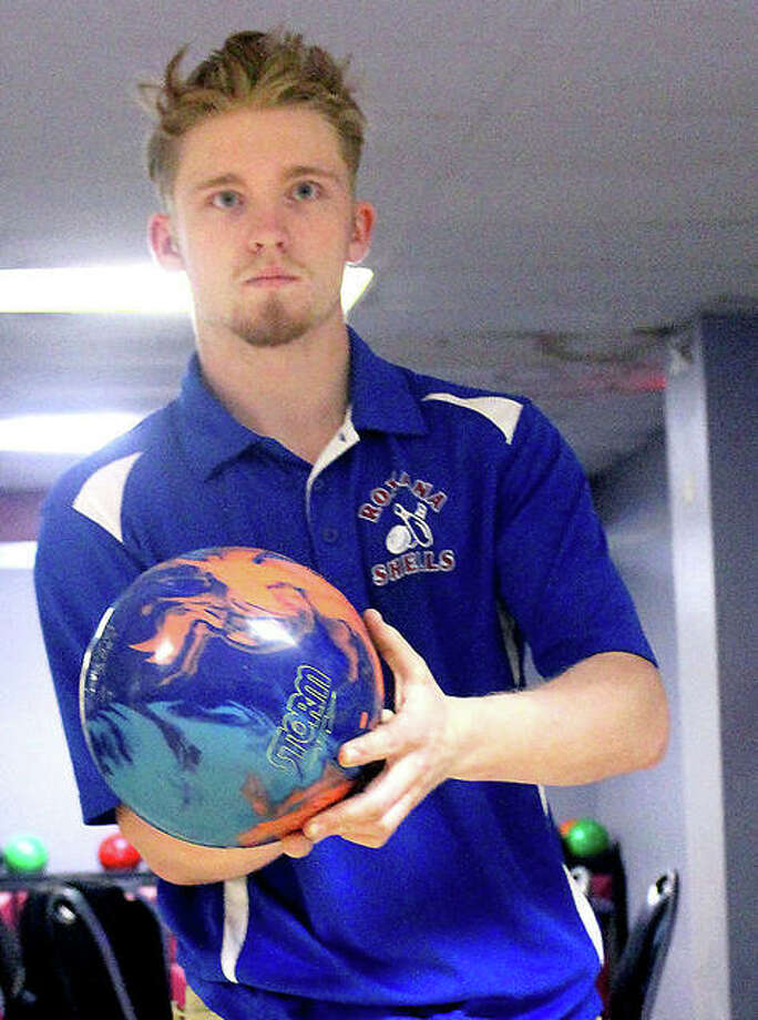 Roxana's Christian Bertoletti eyes the pins during a practice session at Airport Plaza Bowl Wednesday. Photo: Pete Hayes | The Telegraph
