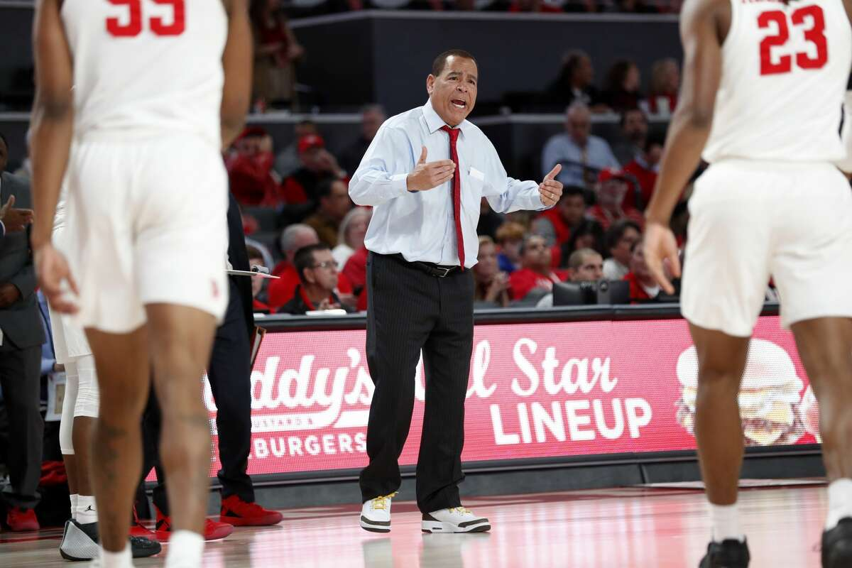 Houston head coach Kelvin Sampson yells at his players to run to him during a time out in the second half on a NCAA basketball game against East Carolina at Fertitta Center on Wednesday, Jan. 23, 2019, in Houston. The Cougars won 94-50.