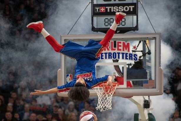 The Harlem Globetrotters are coming to Laredo on March 15, and the team is offering free tickets toany U.S. government employee currently on furlough.