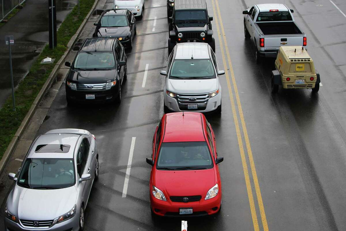 Carbon emissions by transportation Cars and light duty trucks 2008: 1,655,000 metric tons 2012: 1,610,000 2014: 1,614,000 2016: 1,626,000 Percent change since 2008: -2 percent Percent change since 2014: 1 percent