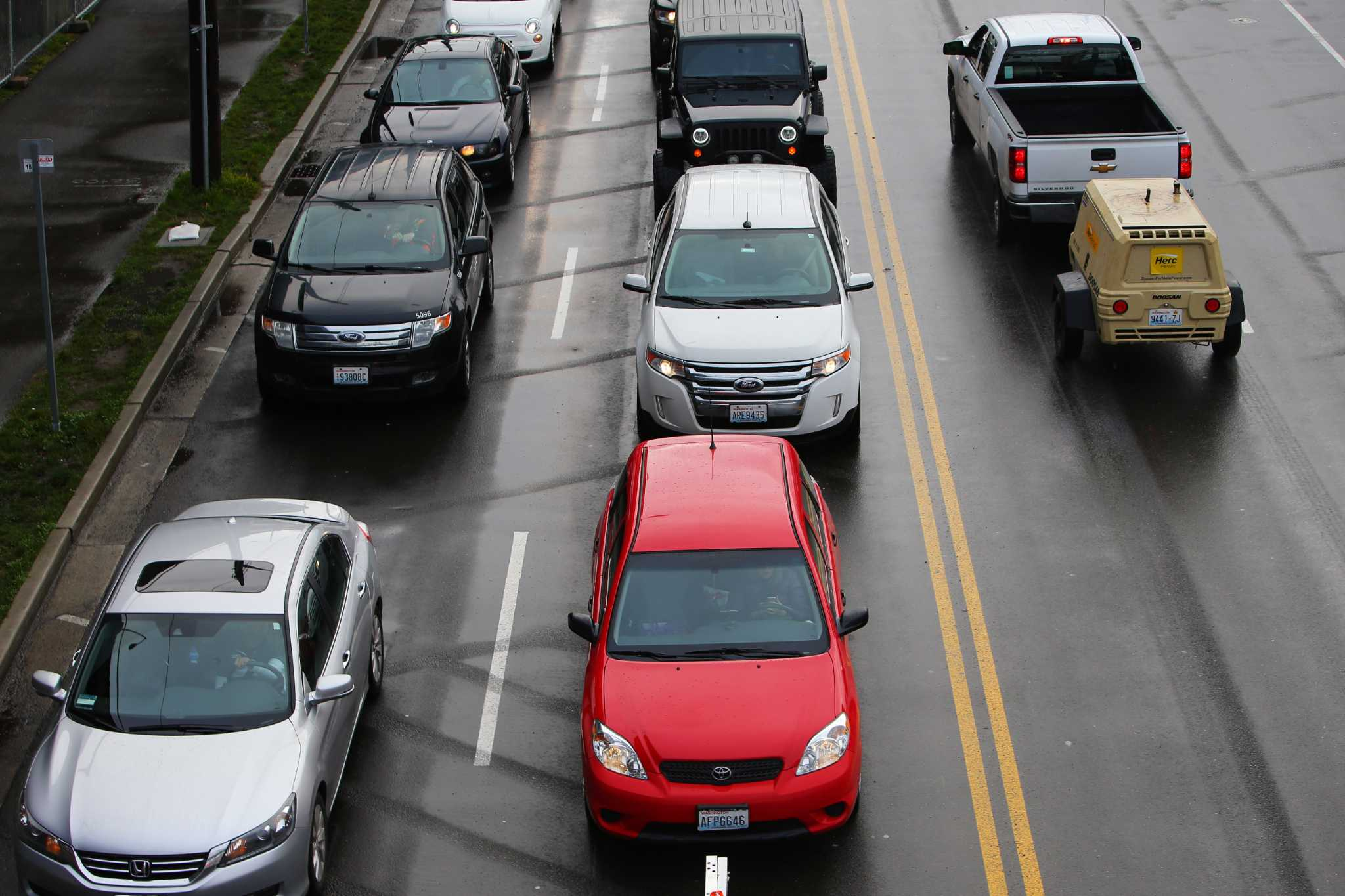 Plan ahead to avoid Thanksgiving, holiday travel woes in and around Seattle